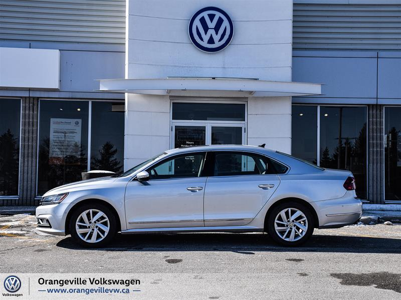 Certified Pre-Owned 2018 Volkswagen Passat Comfortline 2.0T 6sp at w/Tip