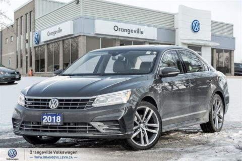 Certified Pre-Owned 2018 Volkswagen Passat Highline 2.0T 6sp at w/Tip