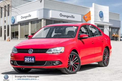 Certified Pre-Owned 2014 Volkswagen Jetta Highline 2.0 TDI 6sp DSG at Tip